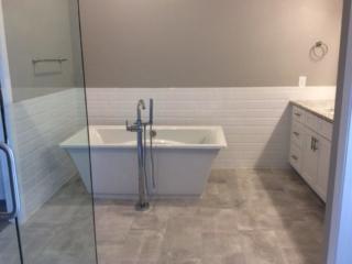 Bathroom with gloss paint finish, Five Star Pro Painting, Gilbert AZ