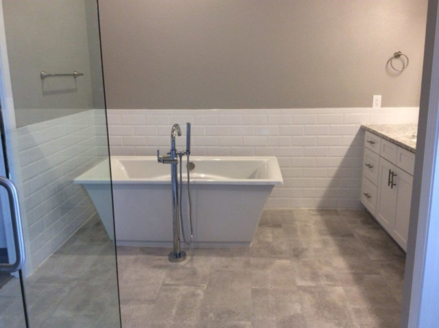 Bathroom with gloss paint finish, Five Star Pro Painting, Gilbert AZ